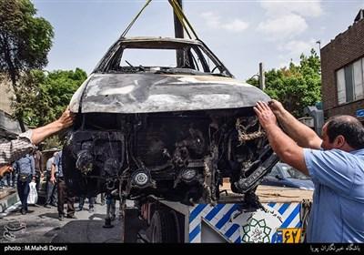 آتش سوزی زنجیرهای خودرو در خیابان شریعتی