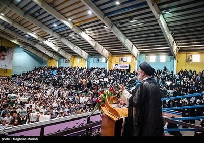 المرشح الرئاسی سید إبراهیم رئیسی بین أنصاره فی قزوین