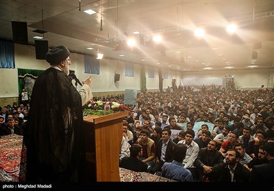 Iranian Presidential Candidate Raisi Holds Campaign Meeting in Zanjan