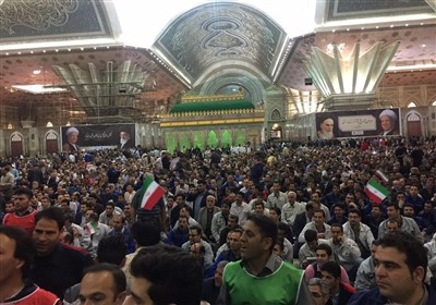اعتراض شدید کارگران حین سخنرانی روحانی