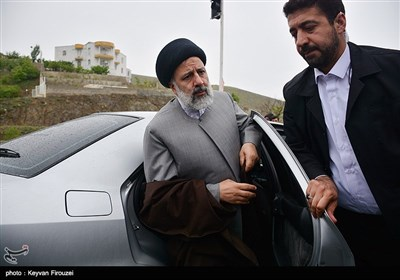 Raisi Goes to Kurdistan in Race for Presidency