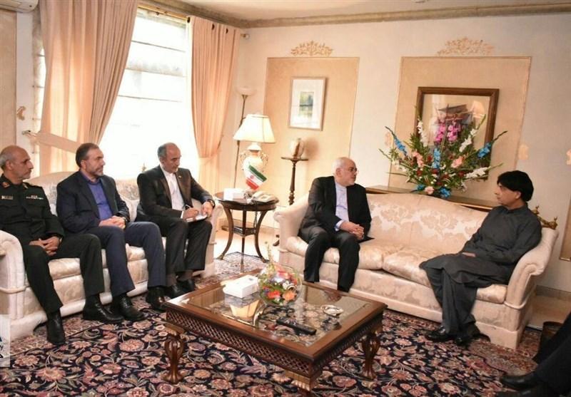 ظریف یصل اسلام آباد ویبدأ لقاءاته