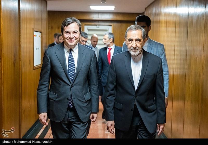 وزیر خوشتیپ امور خارجه ایتالیا
