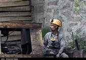 جدارهسازی دیواره تونل اصلی معدن برای امدادرسانی در حال انجام است