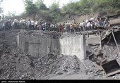 حضور اکیپهای برقرسانی گلستان در محل حادثه معدن آزادشهر/تامین برق برای هوادهی در تونل معدن انجام میشود