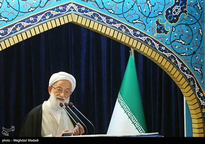 """آیتالله امامی کاشانی: اگر در برابر آمریکا فقط """"سنگ"""" داشته باشیم بازهم دشمنیشان تمام نمیشود"""