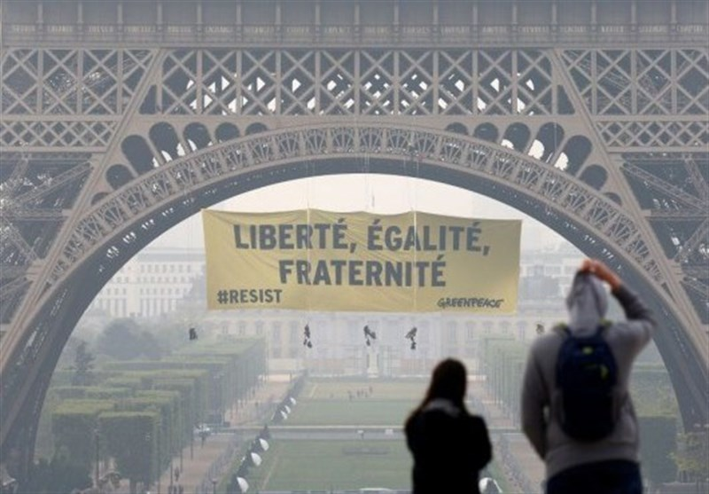 Security Beefed Up at Eiffel Tower after Green Peace Protest