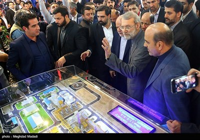 Int'l Oil, Gas, Refining and Petrochemical Exhibition Starts Work in Tehran