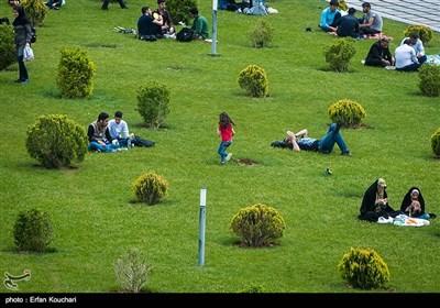 چهارمین روز سیامین نمایشگاه بین المللی کتاب تهران