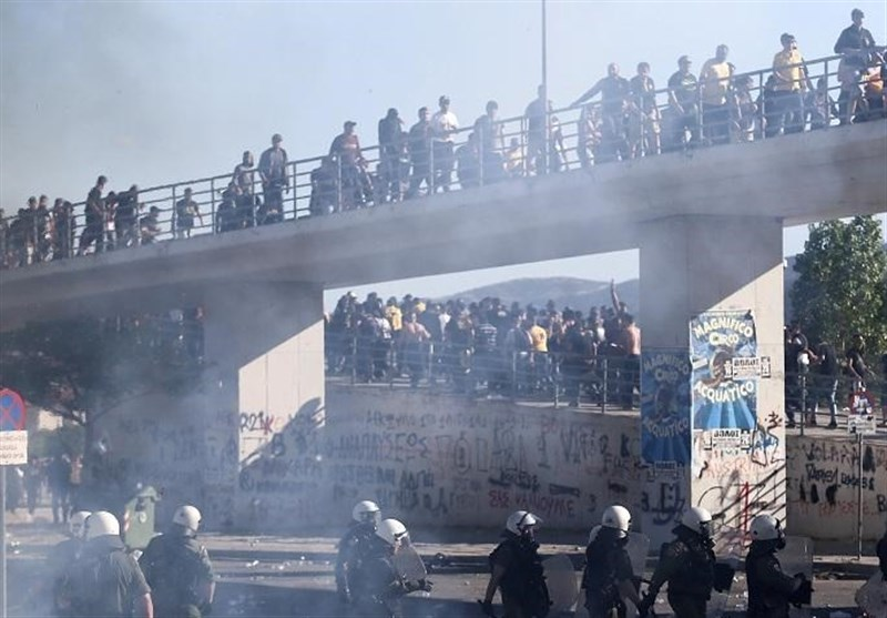 Clashes in Greece as Thousands Protest Austerity