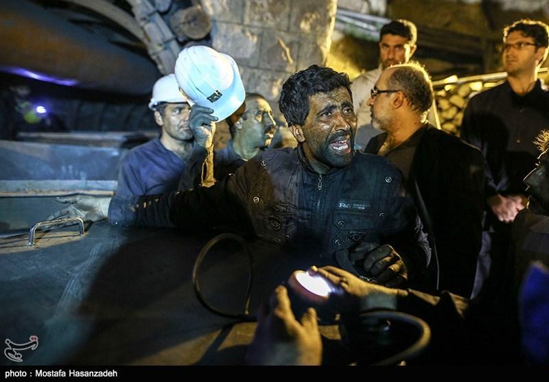 مراسم هفتمین روز درگذشت کارگران معدن یورت آزادشهر در بیرجند برگزار شد