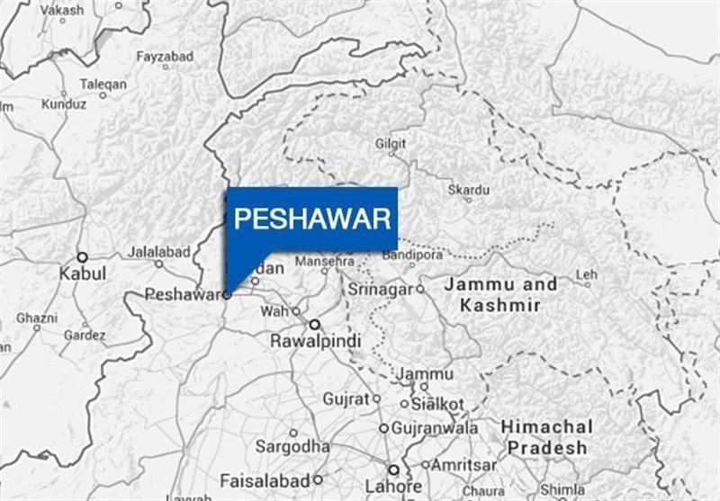 پشاور دھماکوں سے گونج اٹھا / 2 دھماکوں میں 5 افراد شدید زخمی