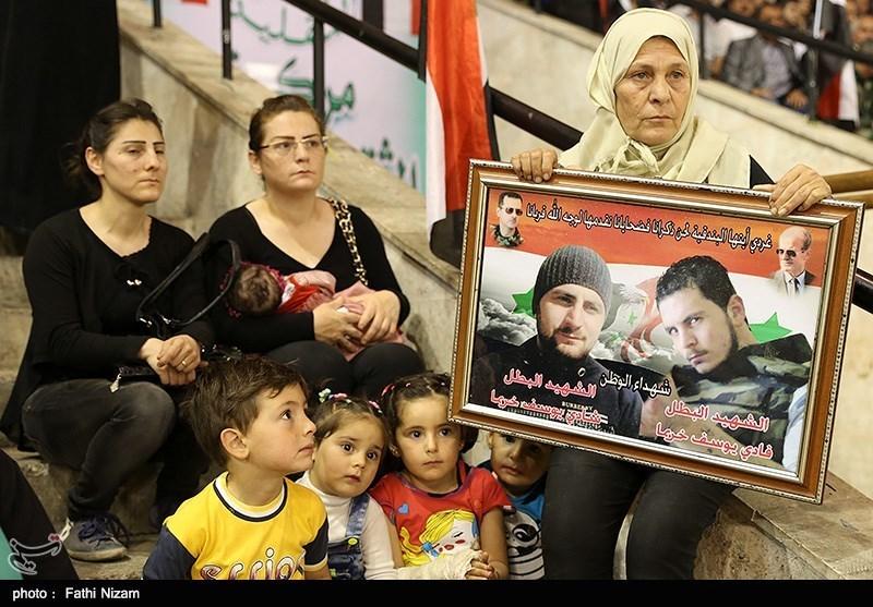 مراسم تجلیل از خانواده های شهدا در سوریه