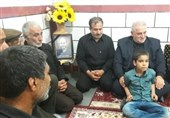 استاندار گلستان با خانواده جانباختگان معدن آزادشهر دیدار کرد