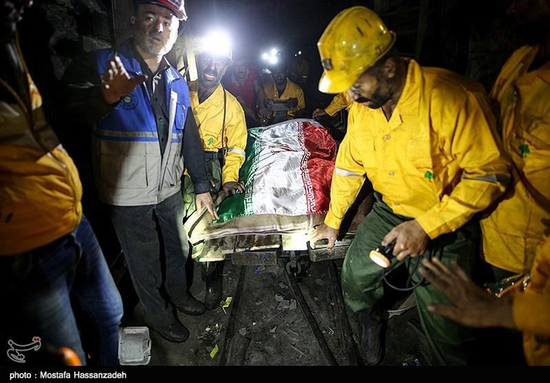 خروج پیکر 7 معدنچی دیگر از معدن آزادشهر