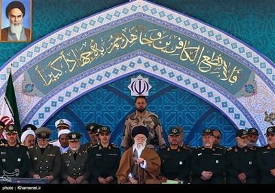 امام خامنہ ای کی کیڈٹس پاسنگ آوٹ پریڈ می ں شرکت