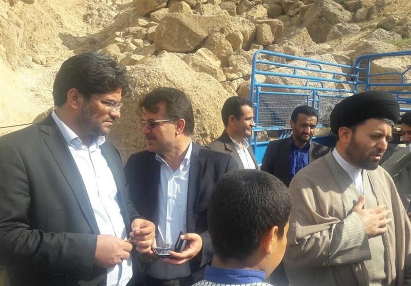 رئیس ستاد انتخاباتی رئیسی در چهارمحال و بختیاری از منطقه سیلزده لردگان بازدید کرد