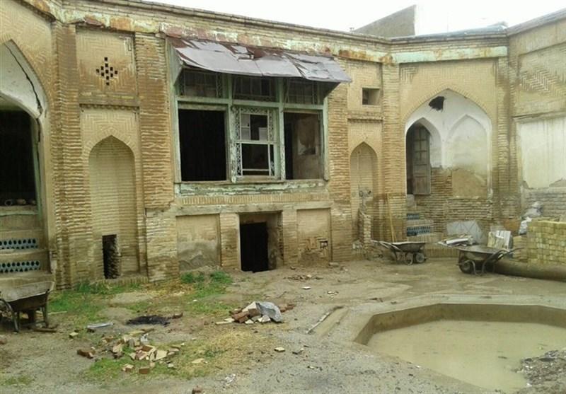 زلزله به بناهای بافت تاریخی بروجرد آسیب زد