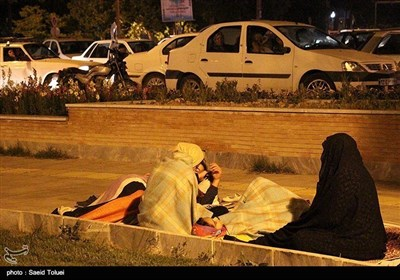 زلزلے کے بعد بجنورد کی عوام نے پارکوں میں رات بسر کی