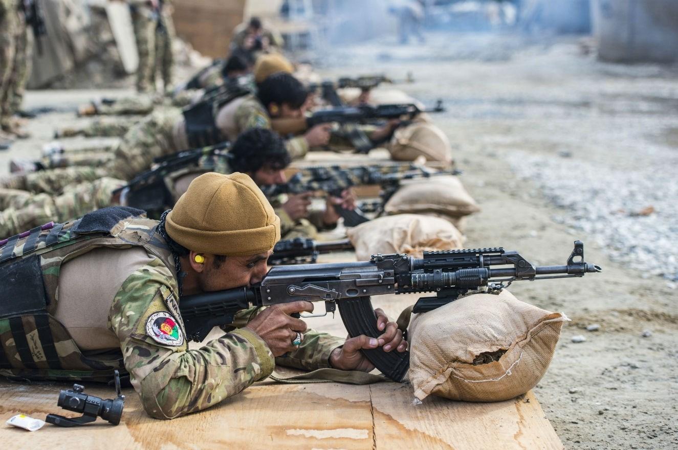 مغربی افغانستان؛ طالبان کے حملے میں 13 فوجی ہلاک