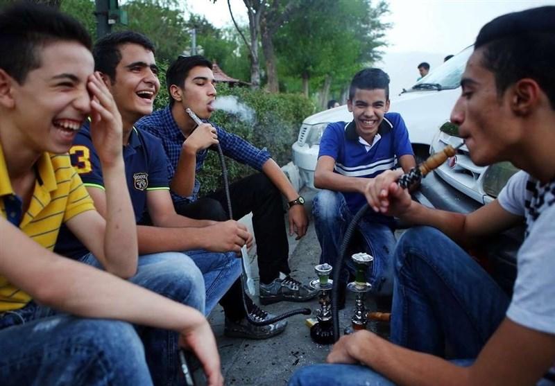 سنندج| جوانانی که در سنندج دود قلیان را بر بیکاری ترجیح میدهند - اخبار تسنیم - Tasnim