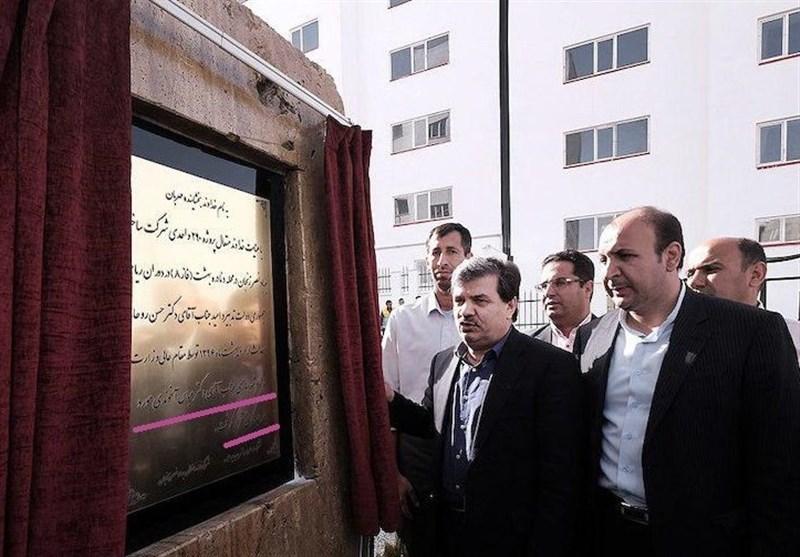 """""""روح"""" آخوندی مسکن مهر پردیس را افتتاح کرد!"""
