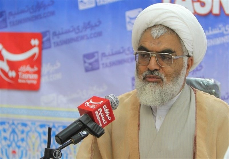 روز ملّی استکبارستیزی| عضو خبرگان رهبری: مردم ایران در مبارزه با ظلم و استکبار تا آخرین قطره خون ایستادگی میکنند