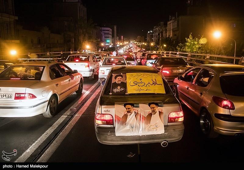 فعالیت 3500 پاکبان در پاکسازی شهر مشهد از تبلیغات انتخابات