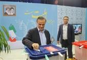استاندار کرمان رای خود را در صندوق انداخت