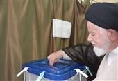 نماینده ولی فقیه در استان سمنان رأی خود را به صندوق انداخت