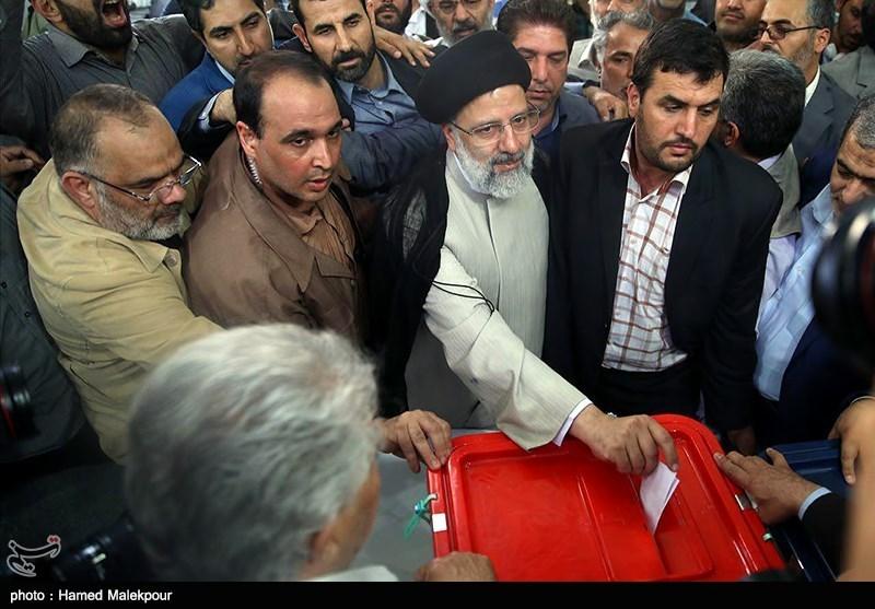 حضور سیدابراهیم رئیسی در پای صندوق رای
