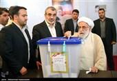 آیة الله جنتی یدلی بصوته فی الانتخابات الرئاسیة