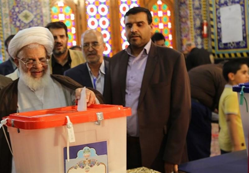 حضور نماینده ولی فقیه در استان یزد در انتخابات
