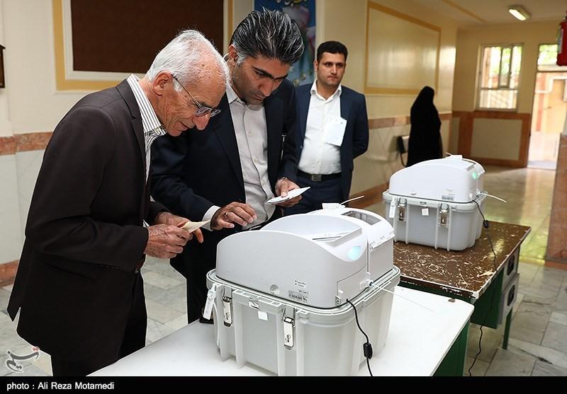 """وقوع """"تخلفات انتخاباتی"""" در اصفهان/ مسئولان با تخلفات برخورد کنند"""