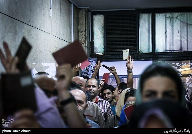 کمبود صندوق اخذ رأی و تعرفه در لرستان/ دهها هزار نفر همچنان در صفهای رأی هستند