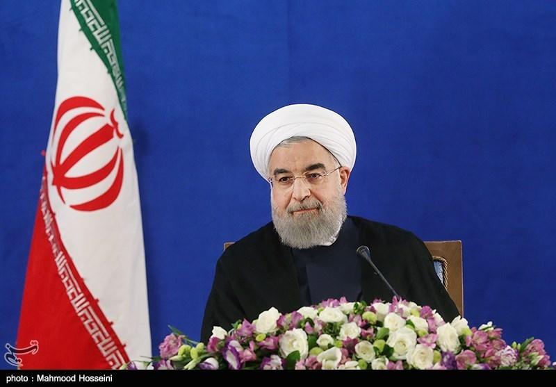 روحانی: مخالفانم به من کمک کنند/ تلاش میکنم با تمام وجود به وعدههایم عمل کنم