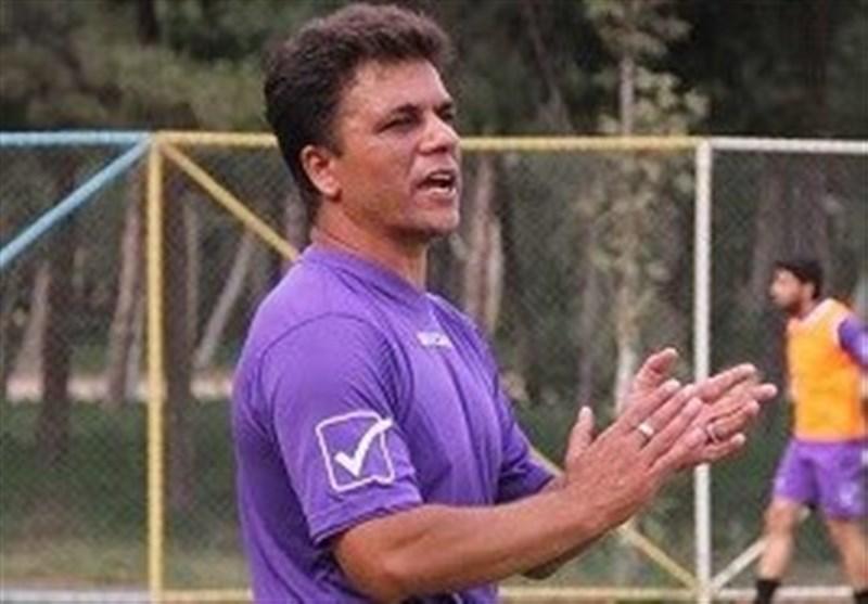 رضایی: هیچ مذاکرهای با باشگاه فجرسپاسی نداشتم/ برخی با شیطنتهای خود اهدافی را دنبال میکنند