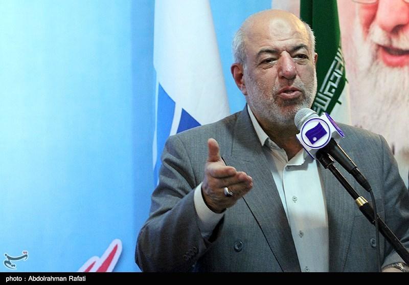 وزارت نیرو از تمام شرکتهای داخلی صنعت برق در ایران حمایت میکند