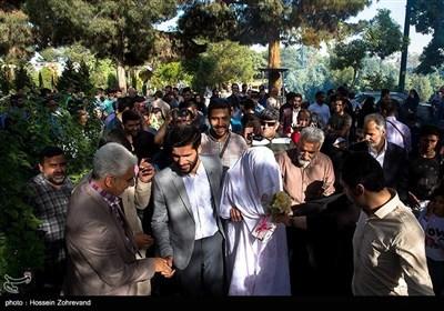 شہدا سے اظہار عقیدت / گمنام شہدا کی آرامگاہوں پر شادی کی تقریب