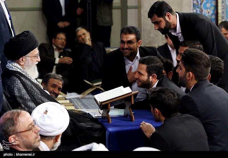 الإمام الخامنئی: بعض الدول الرجعیة تظن واهمة أنها یمکنها کسب ود أعداء الإسلام بالمال