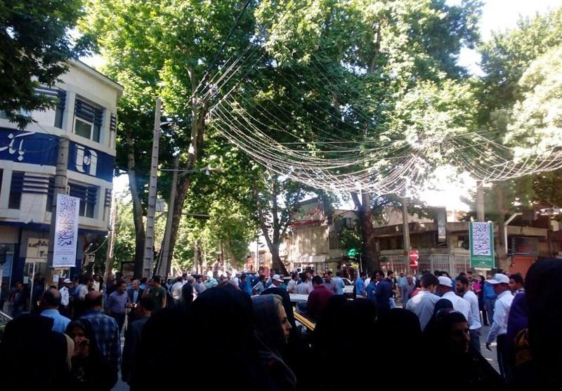 """اعتراض گسترده سپردهگذاران موسسه """"توسعه"""" در لرستان"""