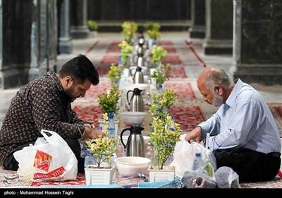 Imam Reza (AS) Shrine Hosts Ramadan Iftar in Mashhad