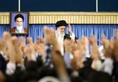 جمعی از دانشجویان با امام خامنهای دیدار کردند