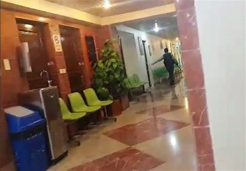 بالفیدیو.. اخلاء موظفی البرلمان خلال الهجوم الارهابی یوم أمس