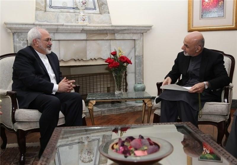 ظریف والرئیس الافغانی یؤکدان ضرورة تسویة أزمة قطر عبر الحوار