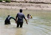 نجات 11 گردشگر از غرق شدگی در رودخانه دز/ 2 نفر جان باختند