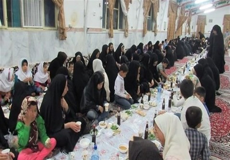 افطاری ایتام در آسایشگاه جانبازان شهیدمطهری اصفهان