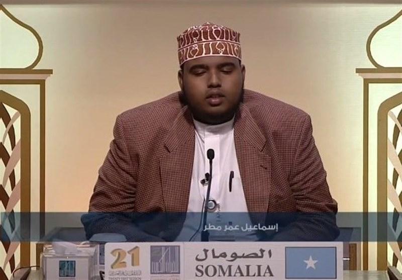 لدعم بلاده قطر.. طرد صومالی من مسابقة إماراتیة للقرآن
