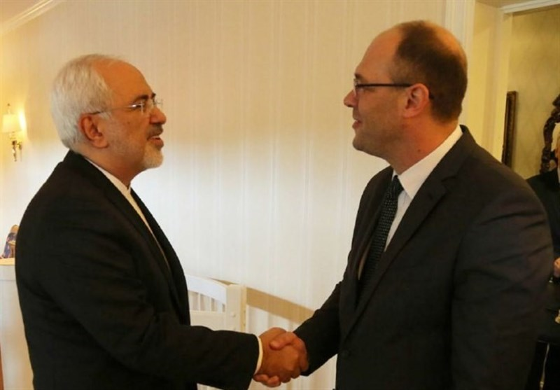 Iran's Zarif Continues Discussions on Mutual, Regional Issues in Norway