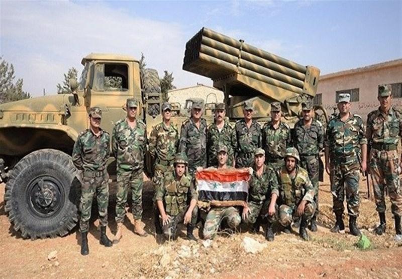 """الجیش السوری یحرر حقلی """"الثورة وصفیح"""" النفطیان بریف الرقة"""